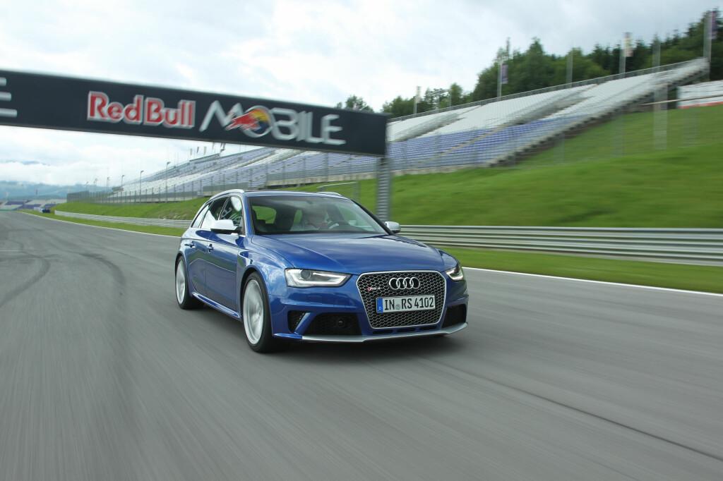 Vi fikk mye moro ut av kjøringen av Audi RS4 på Red Bull Ring i Styria. Mye bedre balansert enn for noen år siden, er bilen også godt motorisert med sin selvpustende V8er på 450 hester, et turtallsregister som strekker seg til 8.250 omdreininger og en usedvanlig heftig motorlyd når man gir på for fullt.