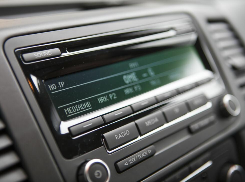 Og vips: Volkswagens standard FM-radio er oppdatert med integrert DAB-løsning fra MediaDAB. Foto: Per Ervland