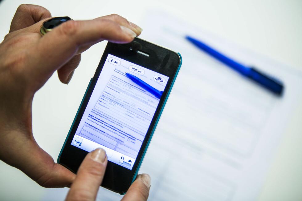 Dropp faksen: Ta bilde av budskjema med mobilkamera, og send på MMS eller mail til megler.  Foto: Per Ervland