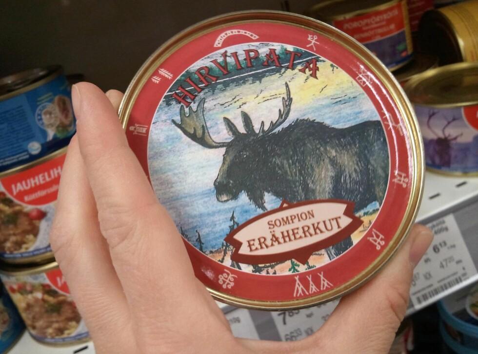 Syns du bjørnekjøtt blir for drøyt, finner du også elgkjøtt på boks.           Foto: Berit B. Njarga