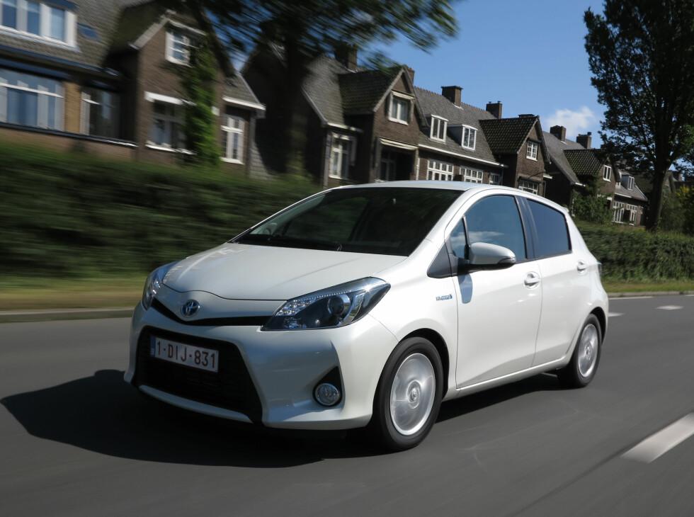 Landets rimeligste hybrid, Toyota Yaris Hybrid, er nå prøvekjørt.                                 Foto: Fred Magne Skillebæk