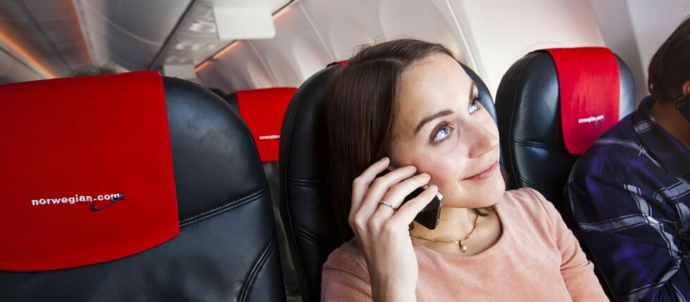 BLA BLA BLA: Det er lite populært å ringe fra lufta, skal vi tro Skyscanners nye undersøkelse.  Foto: Per Ervland