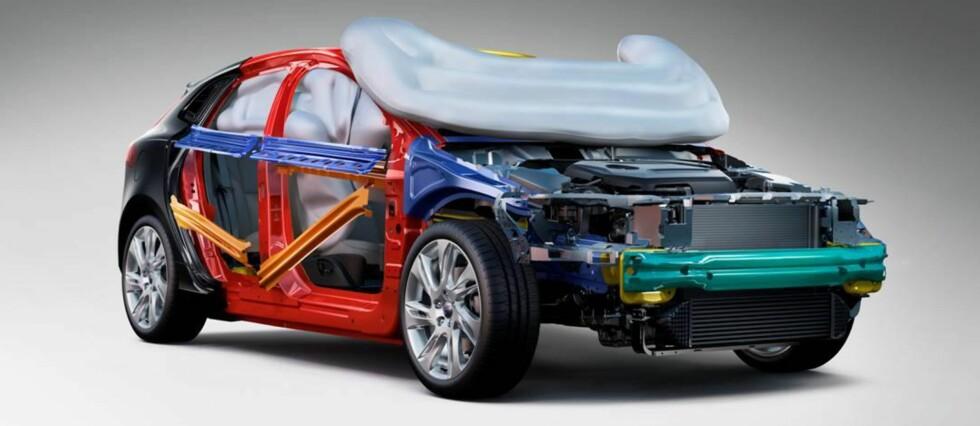 Volvo har nå systemer som både skal hindre fotgjengerpåkjørsler og minimere skadene dersom de likevel skulle inntreffe