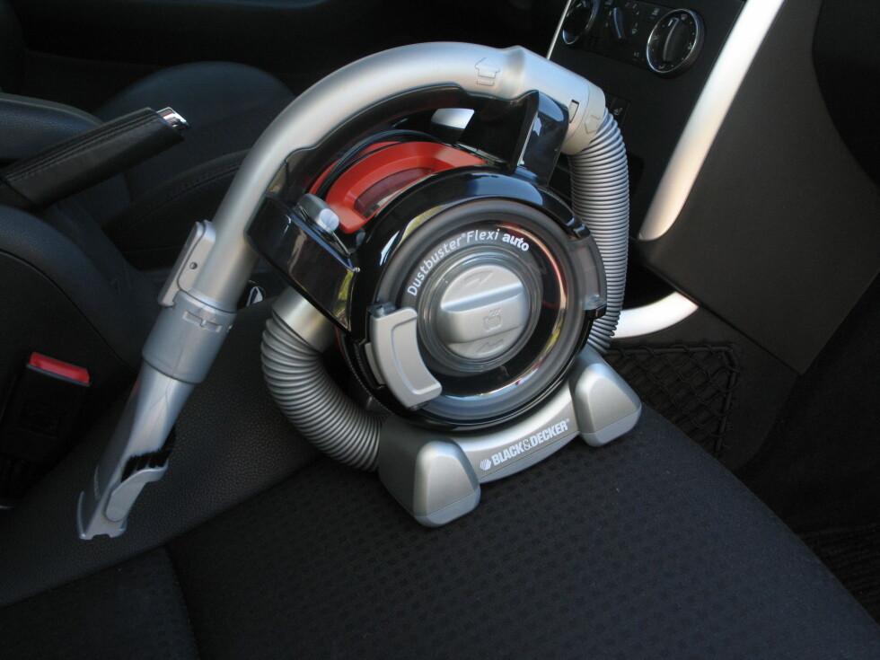 Størrelsen gjør at den kan settes overalt i bilen. Foto: Kristin Sørdal