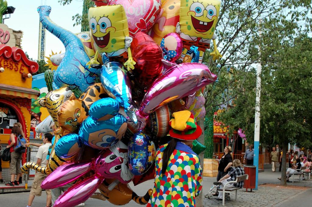 <b>GASSBALLONGER:</b> Folieballonger som disse koster fra 3 kroner i innkjøp. De selges for fra 100-150 kroner på gata 17. mai. Foto: colourbox.com