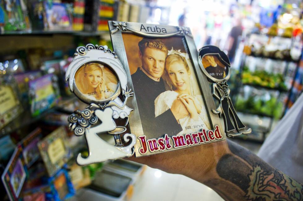 """TIL BRUDEPARET? Aruba er kjent som en """"honeymoon-island"""" og mange par gifter seg på øya. Dette er jo den perfekte rammen til bryllupsbildet! Foto: Silje Ulveseth"""