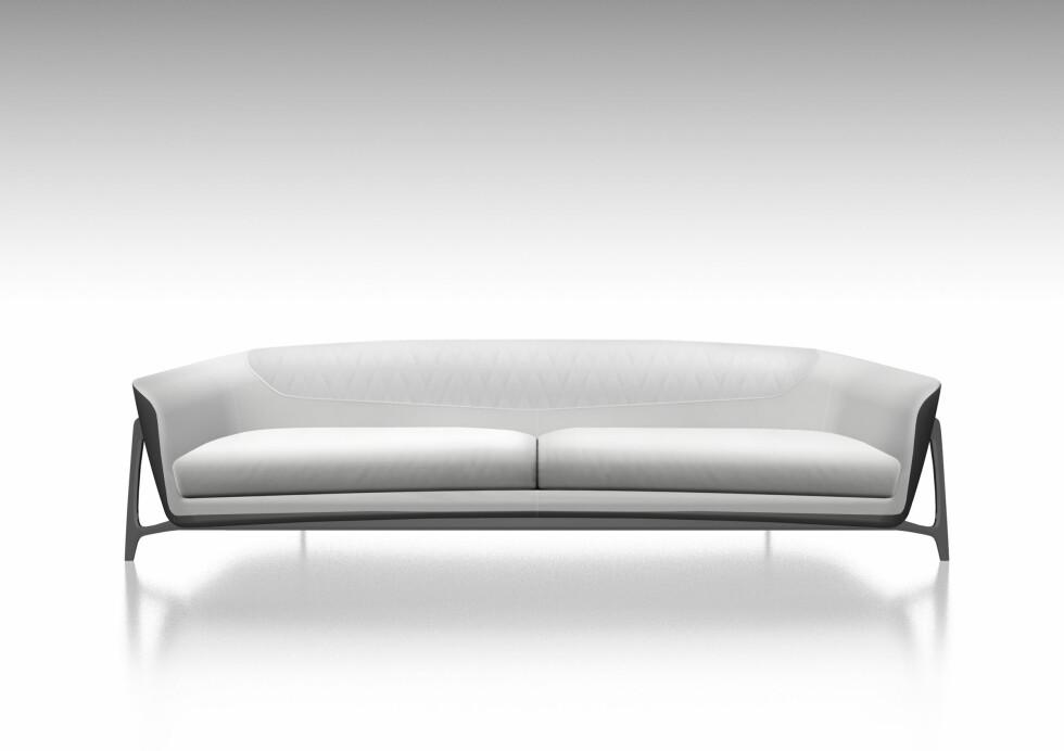 Treseter. Du kan få den i grå, som her, eller i svart. 240 x 100 x H 70 cm. Foto: Mercedes-Benz