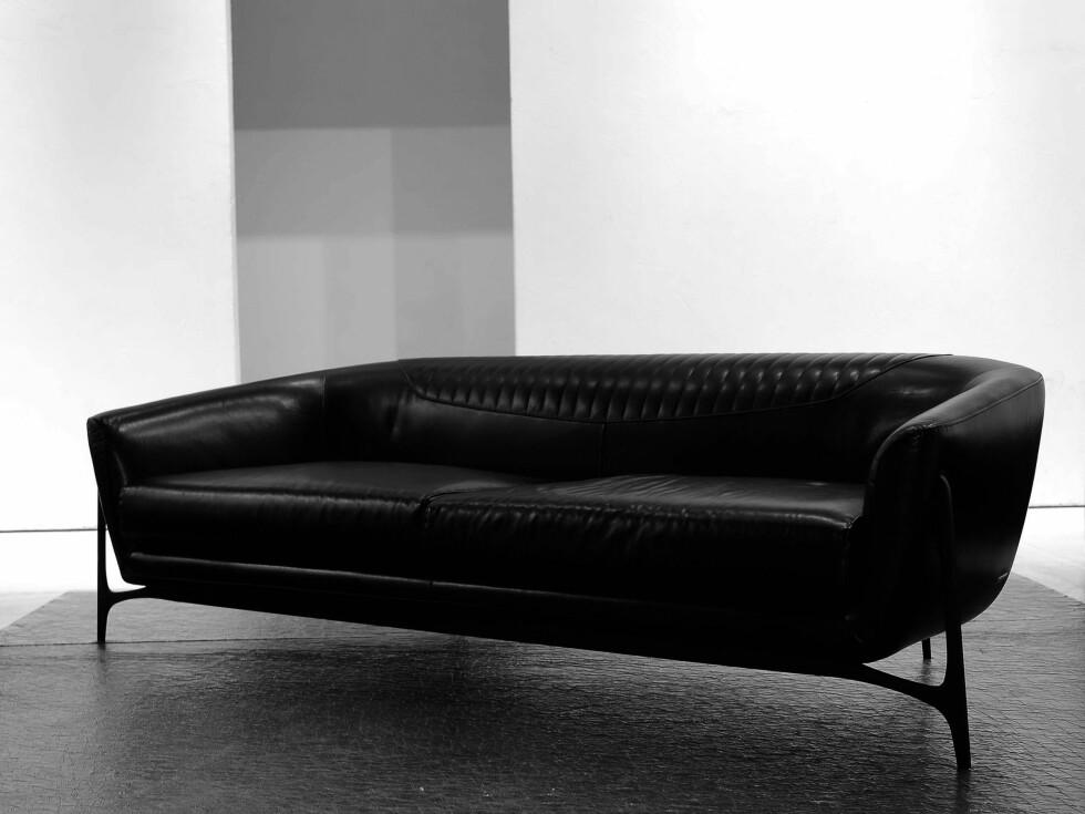 Sofaen i svart. Foto: Mercedes-Benz