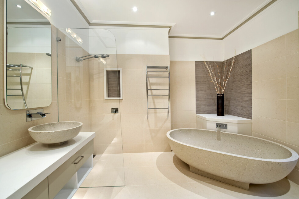 Selv om baderommet er nytt, betyr det ikke at det er fritt for feil. Foto: Colourbox.com