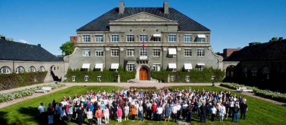 KAMP OM PLASSENE: Norges Veterinærhøgskole har flest søkere per studieplass, dette er med andre ord skolen med mest kamp om plassene. Foto: NVH