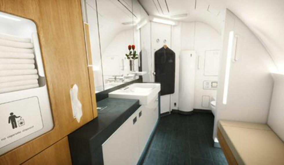På badet kan førsteklassepassasjerer stelle seg. Foto: Lufthansa