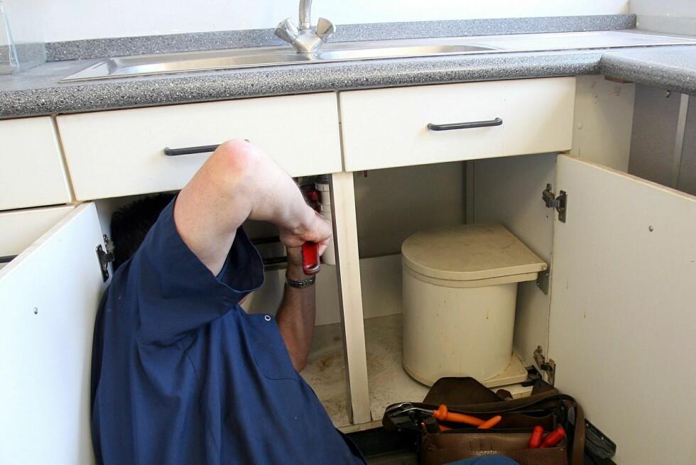 Du bør sjekke hvem du slipper løs på rørene dine.  Foto: Colourbox.com