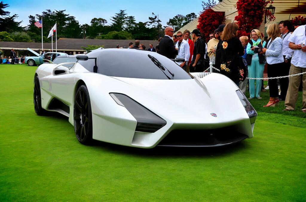 Her er SSC Tuatara, superbilen som skal ta tilbake verdensrekorden fra Bugatti Veyron Super Sport. Målet er minst 440 km/t. Bilen er utstyrt med en syvliters V8 biturbomotor som skal ha en maksimal effekt på 1.370 hestekrefter og et dreiemoment på vel 1.400 newtonmeter. Foto: SSC