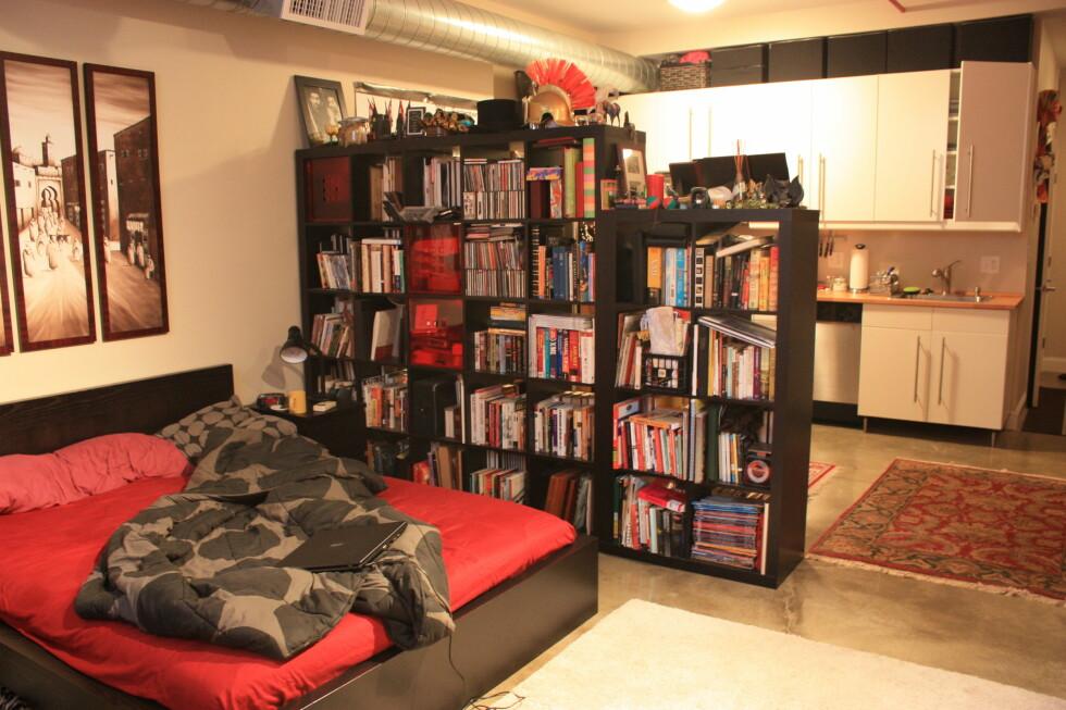 Bilde fra da Madsen overnattet i en leilighet i Salem i Massachusetts. Mannen som eier leiligheten bor hos kjæresten sin når han leier ut, så Madsen fikk ha leiligheten helt for seg selv. Foto: Privat