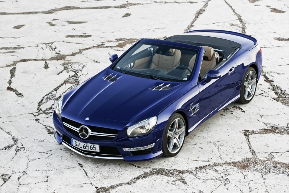 """SL 65 AMG i """"Designo mystik-blå"""" Foto: Mercedes-Benz"""