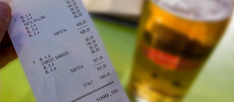 Betaler du restaurantregningen med utvalgte kredittkort, kan du få spesialrabatt.  Foto: Per Ervland