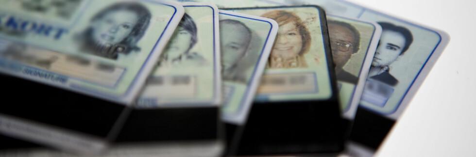 Nesten en kvart million nordmenn oppgir å være utsatt for identitetstyveri, viser nye tall fra Sifo. At så mange mister bankkort og andre id-papirer gjør det enklere for tyven å misbruke andres identitet.  Foto: PER ERVLAND