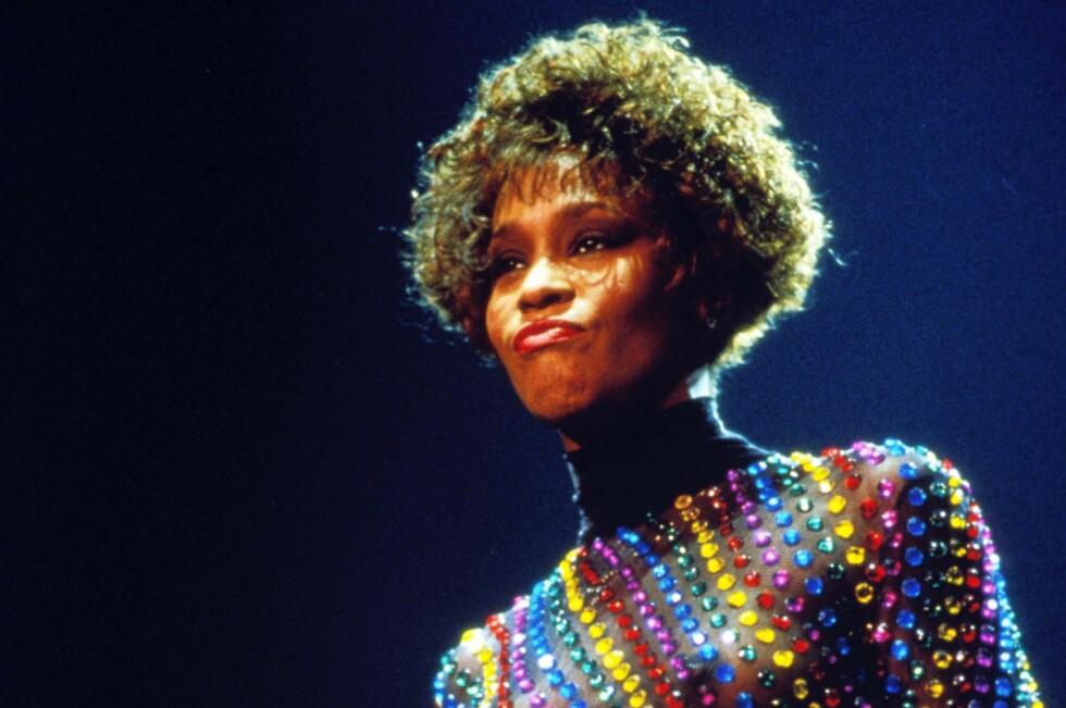 Den enes død, den andres brød, heter det. Her ser du Whitney Houston fra sine glansdager på det glade 80-tallet.  Foto: Coulourbox.com