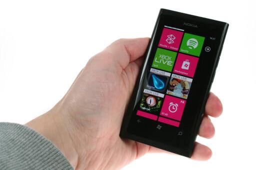 HAR CLEARBLACK: Nokia Lumia 800.  Foto: Ole Petter Baugerød Stokke