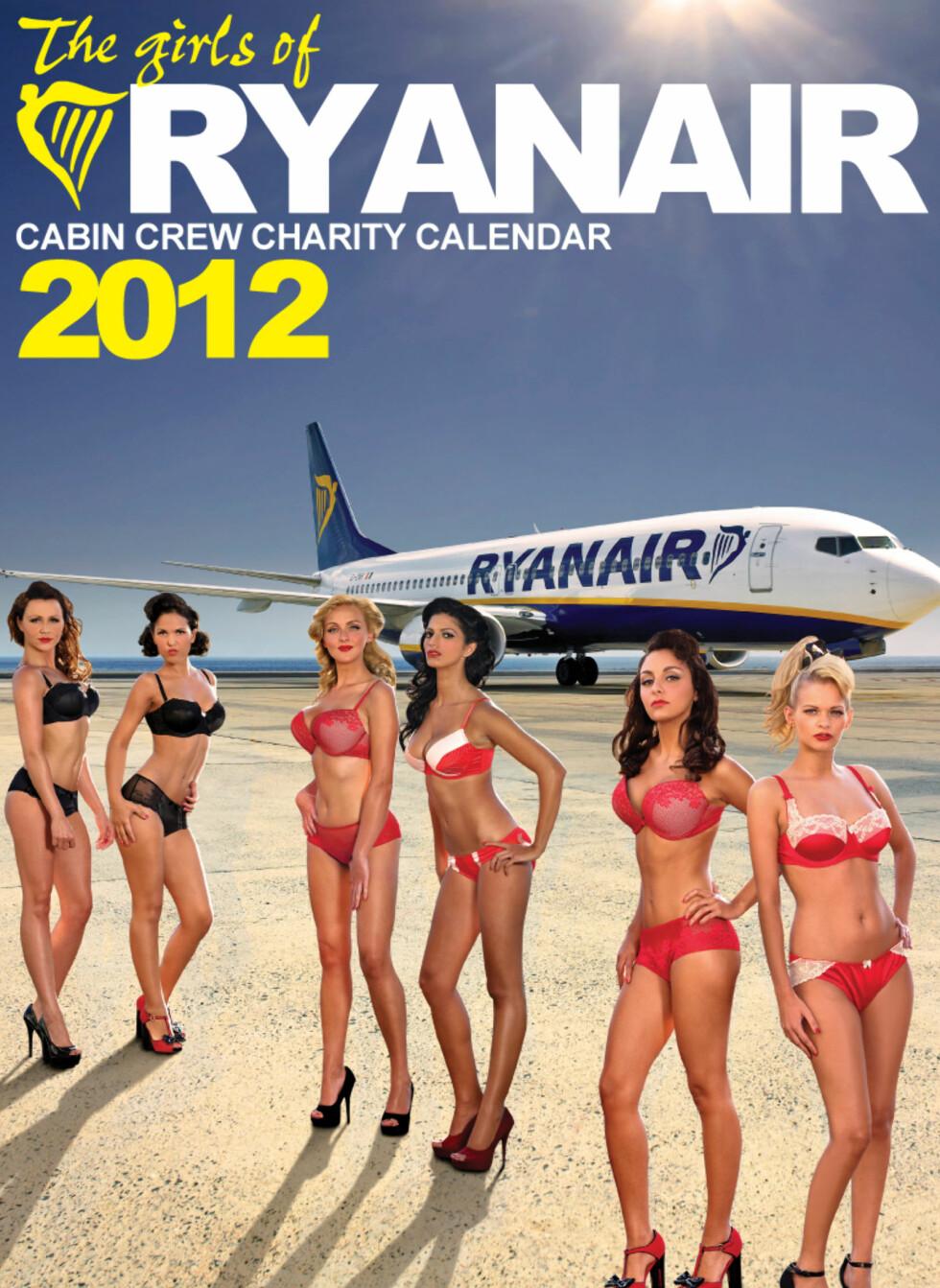LETTKLEDD KALENDER: Flyvertinnene poserer i undertøyet for å støtte veldedighetsorganisasjonen DEBRA. Foto: DEBRA/Ryanair