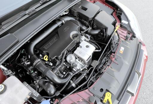 Fords 1.0 Ecoboost tar mindre plass i motorrommet og gjør bilen lettere i fronten - og dermed enda mer agil.