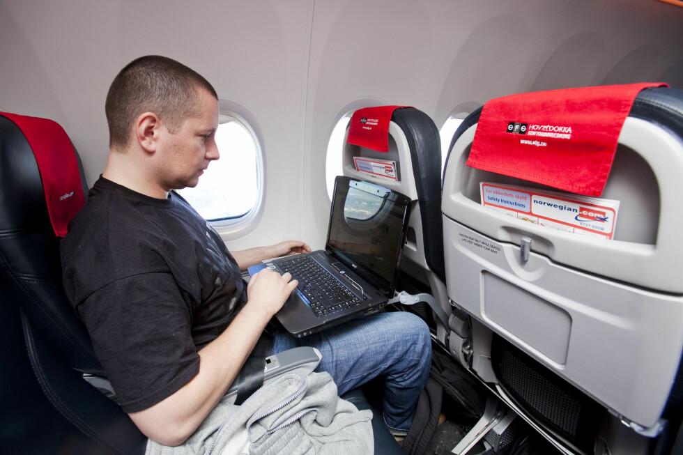 WIFI-GARANTI: Norwegians flyruter Oslo-Stockholm, Oslo-Stavanger og Oslo-Bergen, skal nå ha WiFi.  Foto: Per Ervland