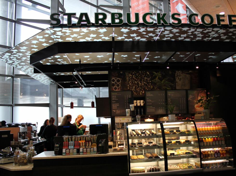 STOR KAFFEKJEDE: Det amerikanske kaffehuset Starbucks er etablert i 58 land. Nå kan de også krysse av Norge på listen.  Foto: Silje Ulveseth