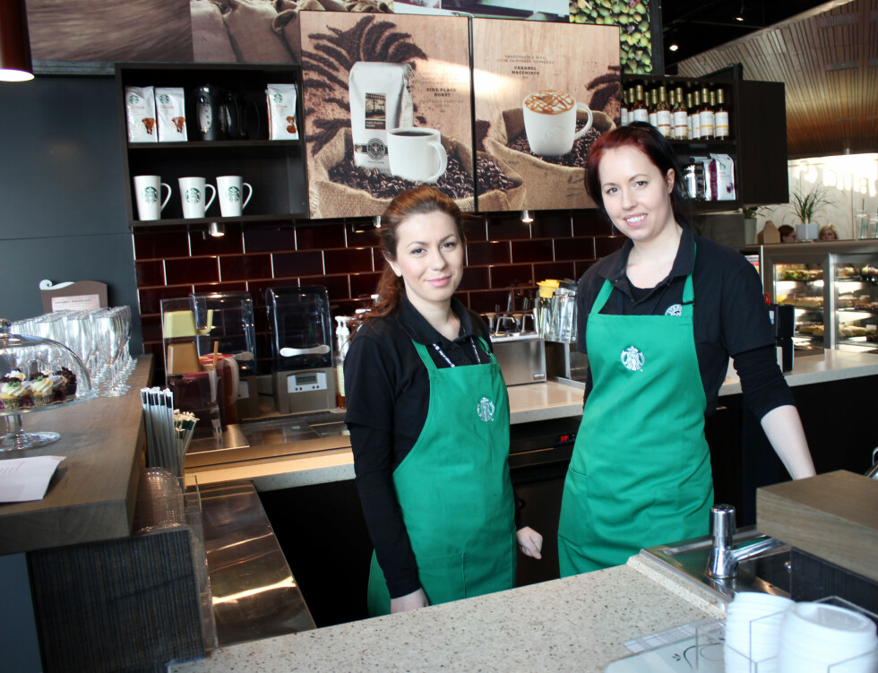 Første dag på jobb. På Oslo Lufthavns Starbucks jobber det 25 ansatte, hvorav 15 av disse jobber deltid. Foto: Silje Ulveseth