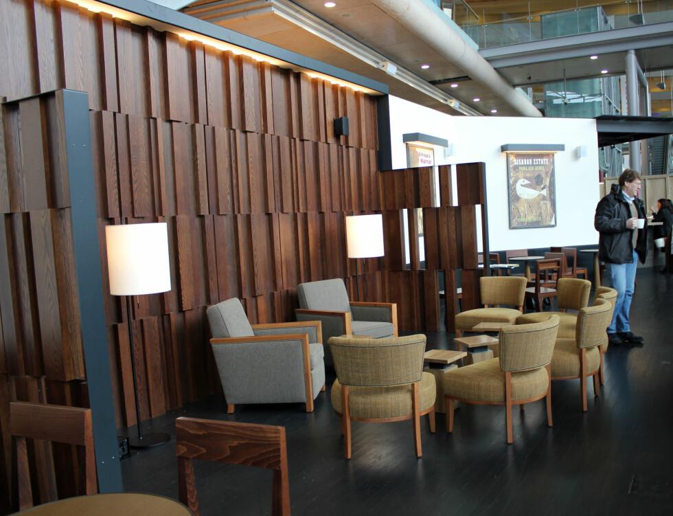 På Starbucks er det totalt plass til 120-130 personer. Foto: Silje Ulveseth
