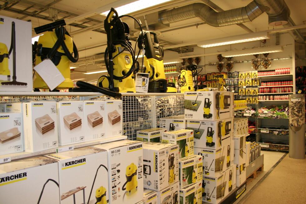 <strong>Fra friditsavdelingen:</strong> Du finner kjente merkevarer også på Gekås. Foto: Kristin Sørdal