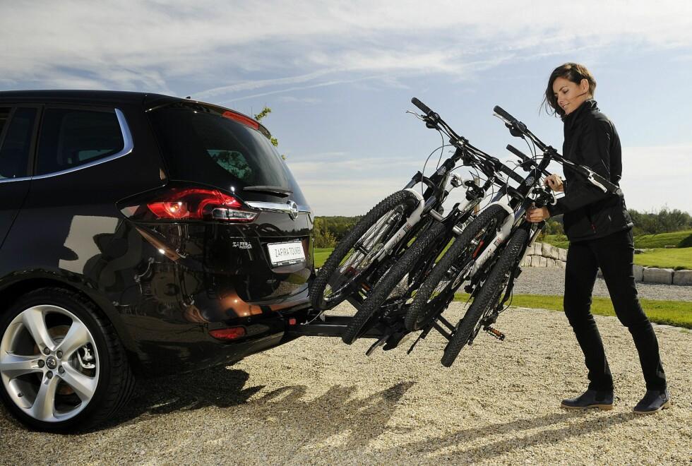 Opel Zafira er ikke bare smart innvendig, men byr på et av markedets smarteste sykkelstativer som tilbehør.  Foto: OPEL