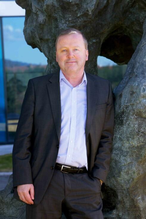 <strong>ÅPEN FOR SPERRE:</strong> Direktør Øistein Eriksen i One Call ønsker ikke å sperre internett-deling, men følger med på hva slags konsekvenser slik bruk har for båndbredden hans.  Foto: ONE CALL