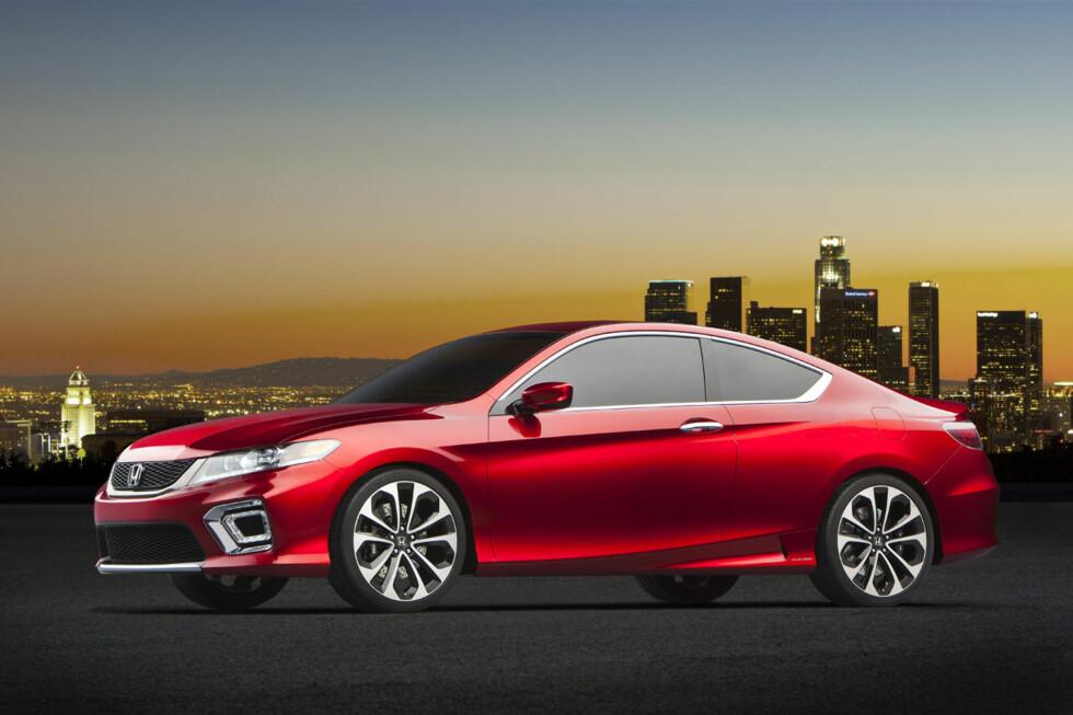 De kan gjerne kalle den konsept, men at 2013 Honda Accord Coupe Concept viser hvordan designen på neste Accord skal være, er det ingen tvil om. Foto: Honda