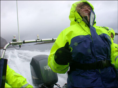 VI VIL OPPLEVE: Nordmenn vil ha opplevelser også når de ferierer i Norge, som her på havrafting i Lofoten. Foto: Kristin Sørdal