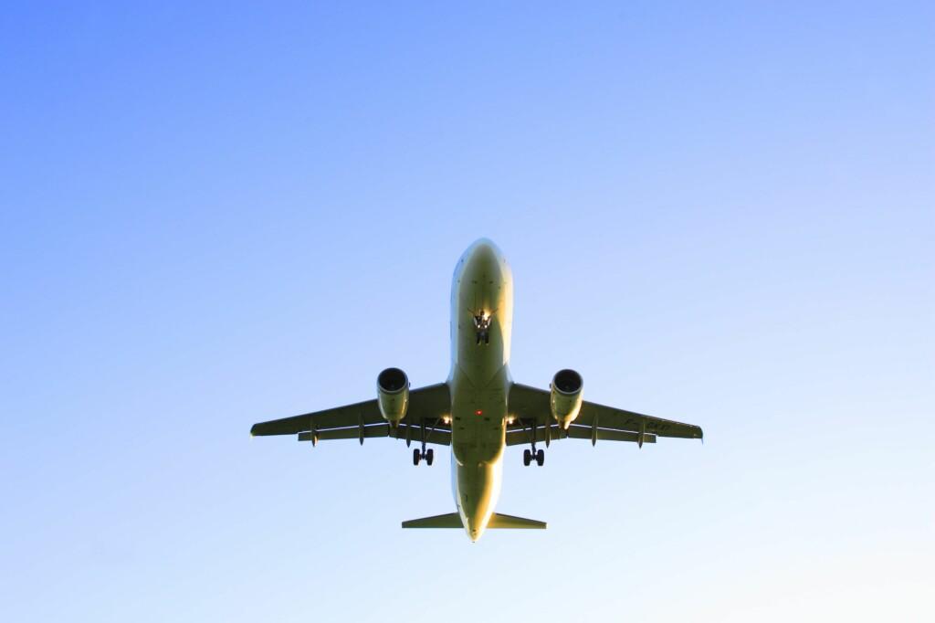 SJEKK TOTALPRISEN: I Norge skal det være mulig å få kjøpt flybilletter til den annonserte prisen. Foto: Colourbox.com