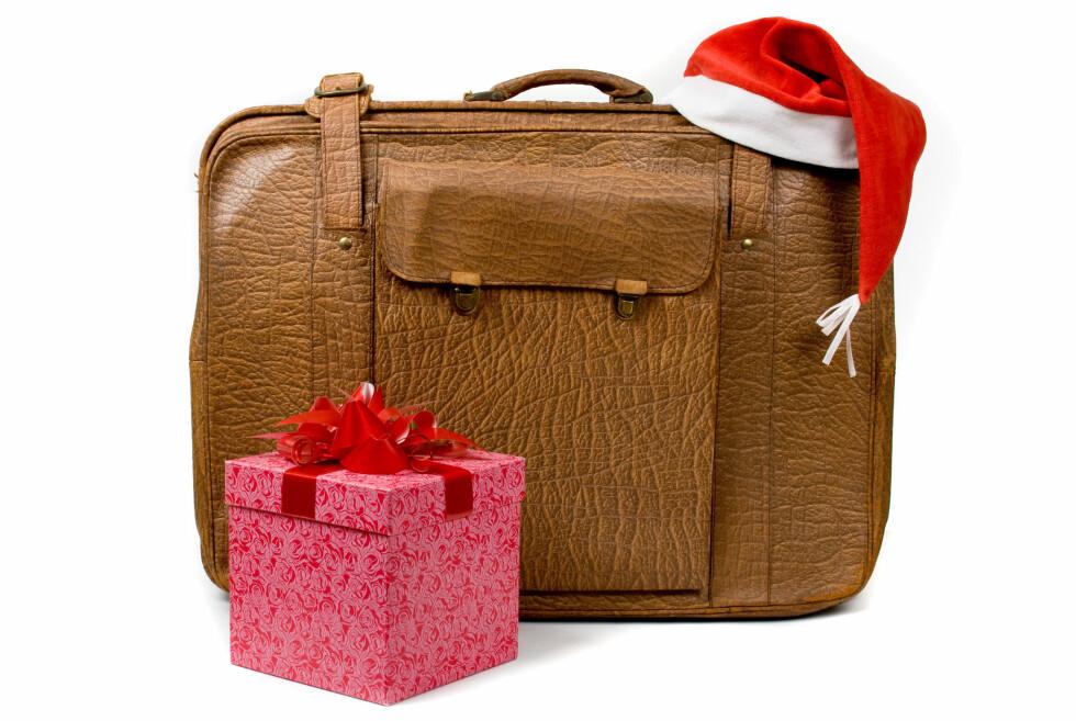 BESLAGLAGT: Reiser du med julegavene i håndbagasjen, risikerer du å få dem beslaglagt. Foto: Colourbox.com