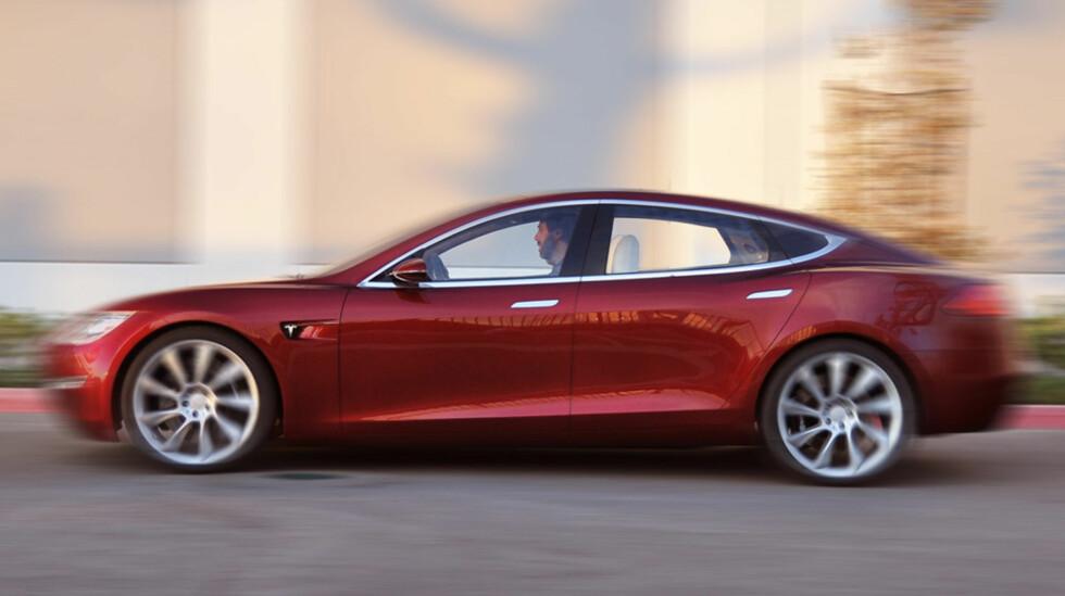 BEDRE VILKÅR: Tesla Model S får nå utvidet garantivilkår. Dette får også tilbakevirkende kraft til dag én.  Foto: Tesla Motors