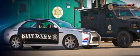 17.000 politi- og sheriff-kontorer i USA drifter 425.000 biler. 70.000 nye trengs hvert år. Carbon Motors håper å få en dominerende andel av markedet. Men først må bilen i produksjon... Foto: Carbon Motors