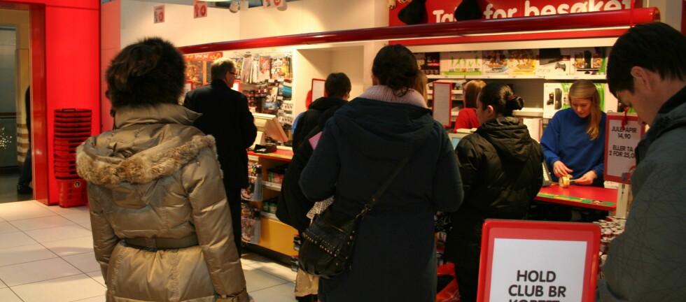 Bare før jul? Tallenes kan tyde på at mange nordmenn besøker leketøysbutikken bare én gang i året, og det er nå før jul. Foto: Kristina Picard