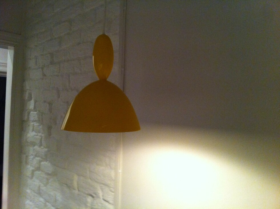 Og ja, det ble lys!(For dem som lurer, lampen som er inspirert av sveisen til lille My heter Mhy, og er designet av Norway Says for danske Muuto.) Foto: Elisabeth Dalseg