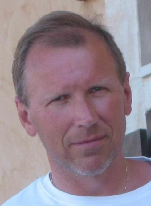 EKSPERT: Sivilingeniør Knut Skårdalsmo i Statoil mener additivene i drivstoff har mye å si, mener tror forskjellen mellom merkene er liten.  Foto: STATOIL