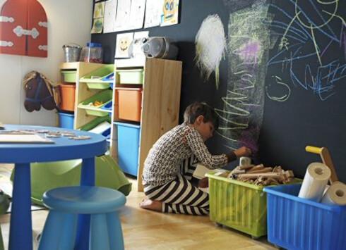 Tavlemaling er et annet alternativ for dem som liker å tegne på veggen. Foto: Ikea