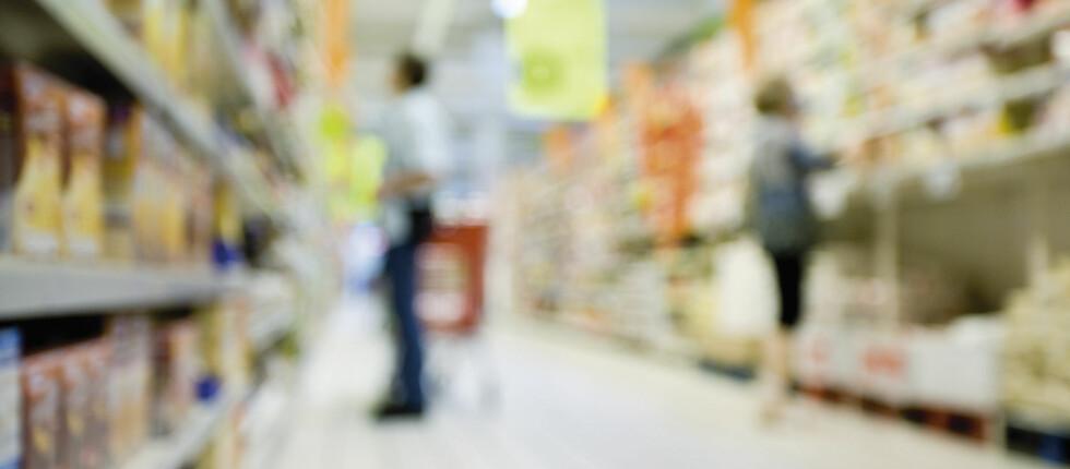 Det hjelper ikke å velge økologisk om matvarene får gift i seg gjennom emballasjen ...  Foto: Colourbox.com