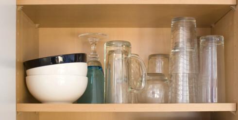 Ønsker du å stable glassene oppå hverandre, bør du vente til de er avkjølt. Foto: Colourbox.com