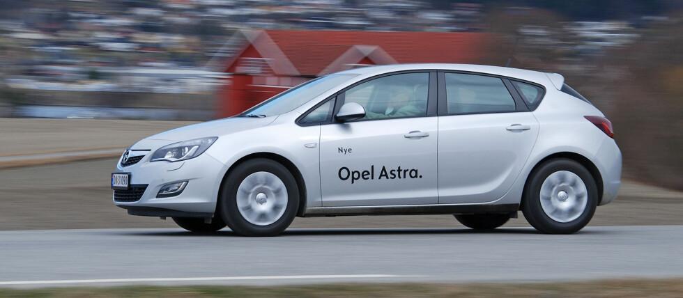 Kompaktklassen er populær i Norge, og ikke uten grunn. Her Opel Astra. Foto: Cato Steinsvåg
