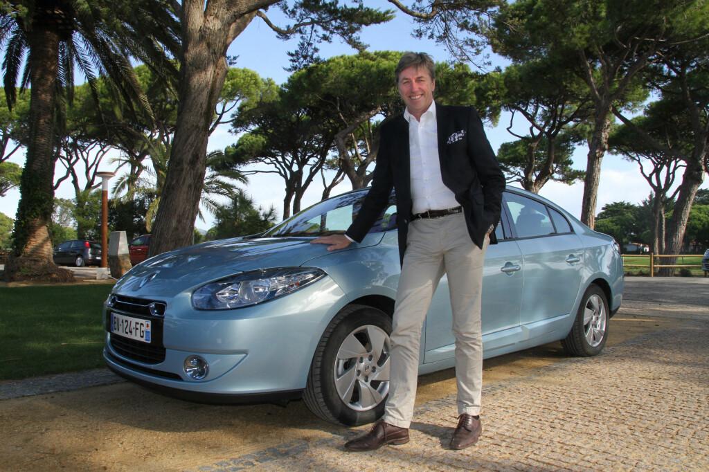 Bernt G. Jessen tror 70 % av Renaults kunder av elbiler vil være flåtebiler. Her foran Renault Fluence ZE, som ikke kommer til Norge.  Foto: Fred Magne Skillebæk