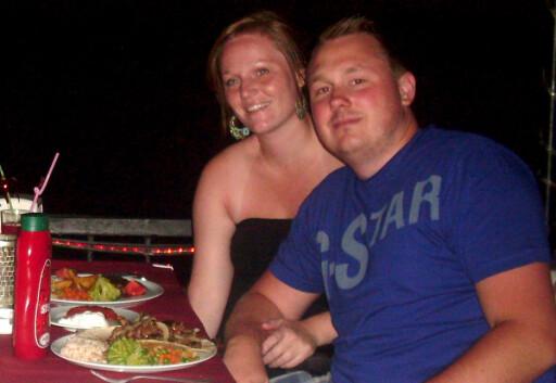 BLE BRA: Monica Nilsen og Robin Holmedal fikk heldigvis den turen de hadde håpet på da de fikk et nytt hotell.  Foto: Privat