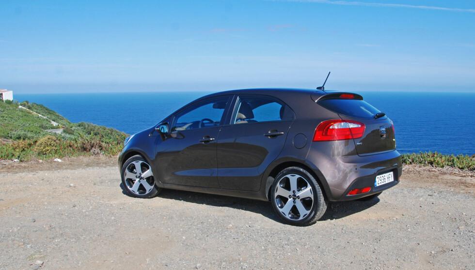 En trivelig bil: Nye Kia Rio står godt rustet til å sloss med kompakte - oftest mindre - konkurrenter som VW Polo, Ford Fiesta, Peugeot 207 og Toyota Yaris. Foto: Cato Steinsvåg