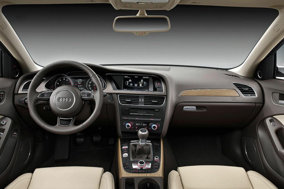 Interiøret i A4 er fornyet. Her i en brun variant. Foto: Audi