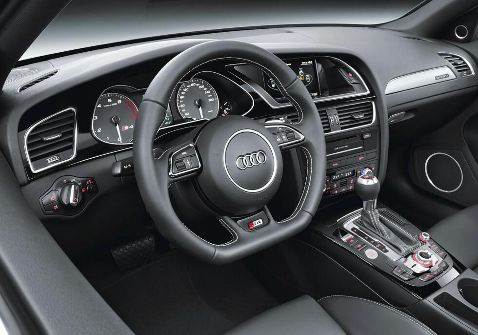 Oppgradert interiør også i S4 Foto: Audi